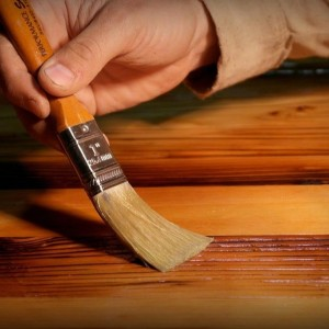 Эффективные составы для защиты древесины: теперь без переплат